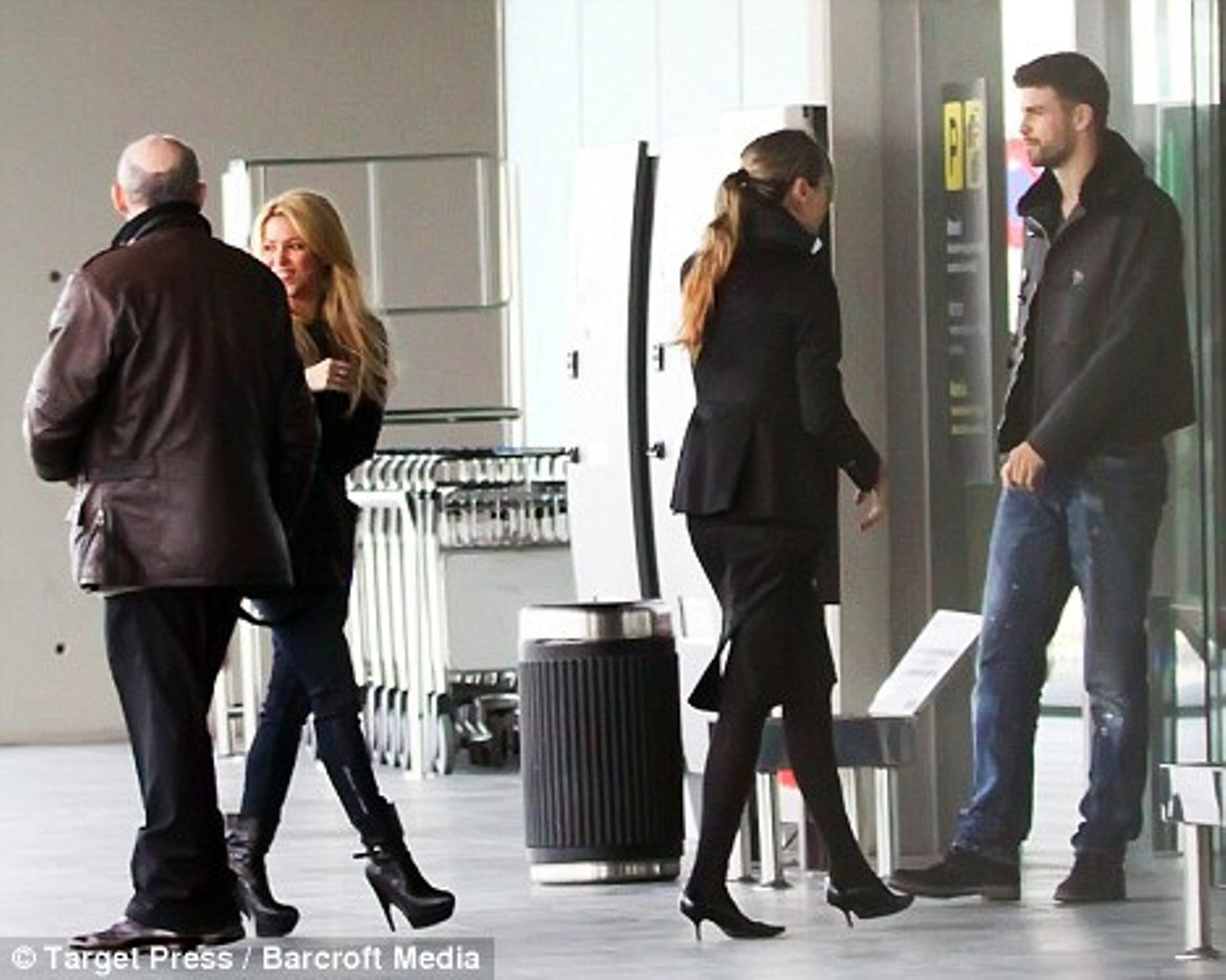 Shakira and Pique. - Page 2 Shakira-Piqu-yesterday-today-tomorrow-and-forever-gerard-pique-19532739-1281-1024