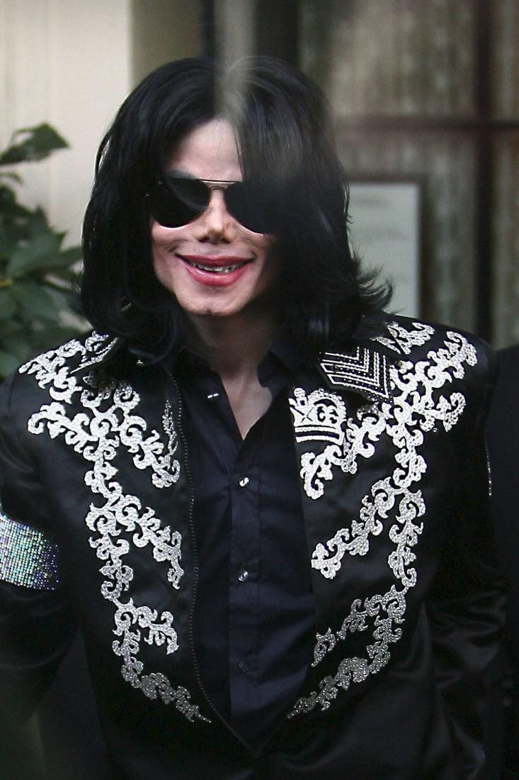 "Immagini era ""THIS IS IT"" - Pagina 21 Michael-Jackson-___________________-michael-jackson-20161396-733-1100"