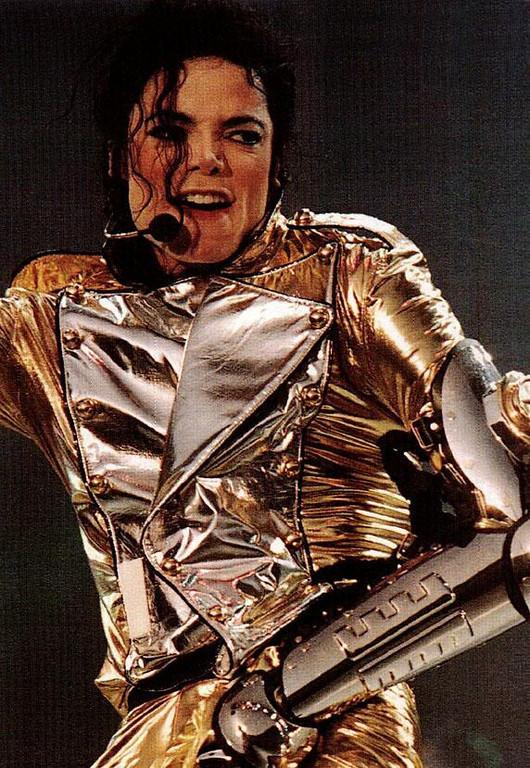 "Immagini era ""HISTORY"" - Pagina 9 MJ-michael-jackson-21186584-530-768"