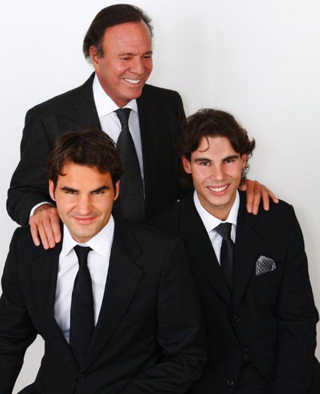 Roger y otras celebridades Julio-Iglesias-in-Madrid-with-Rafa-Nadal-and-Roger-Federer-roger-federer-21595443-1024-1260