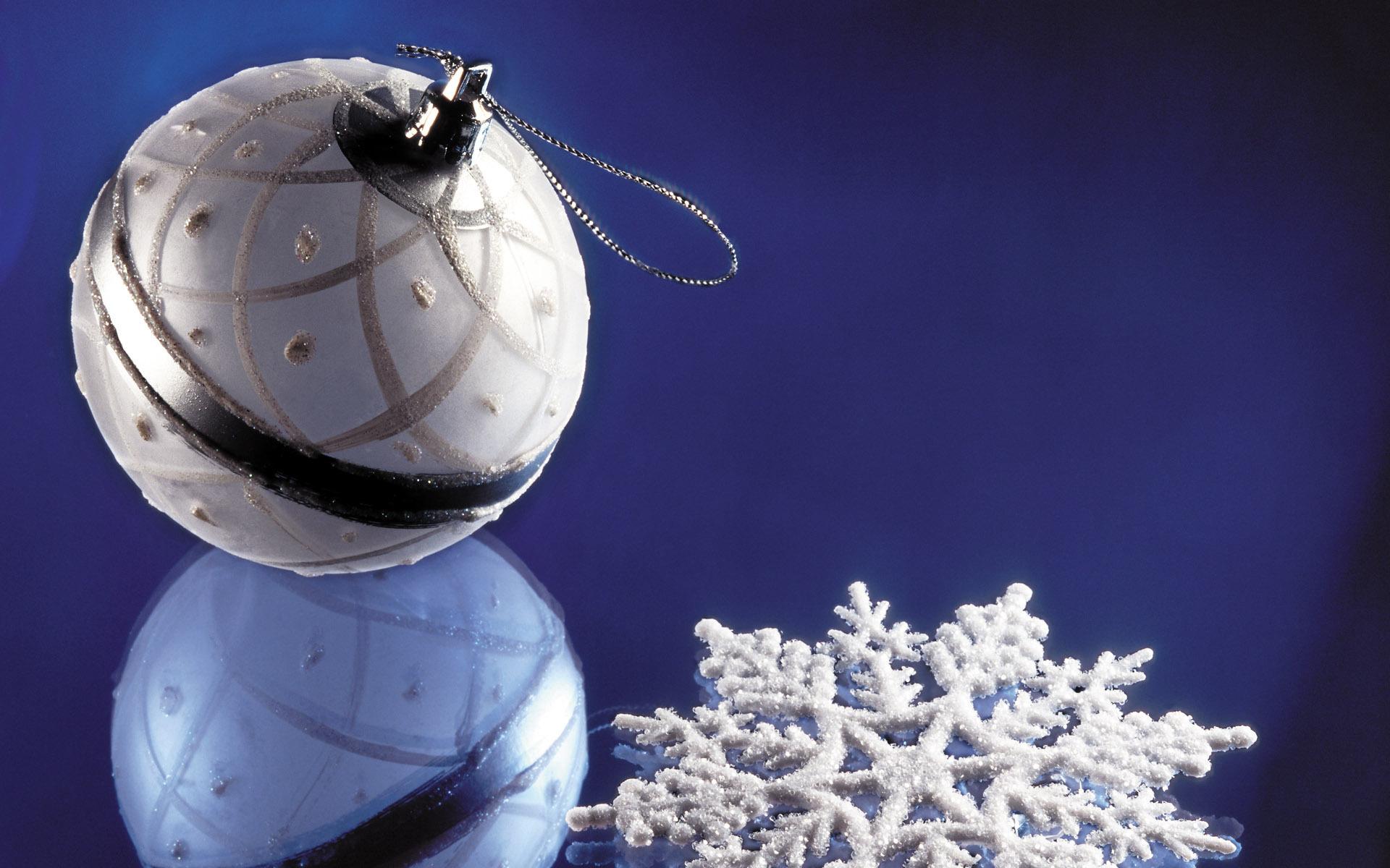 Shprehni ndjenjat tuaja me nje Foto: - Faqe 2 Silver-Christmas-decorations-christmas-22229305-1920-1200