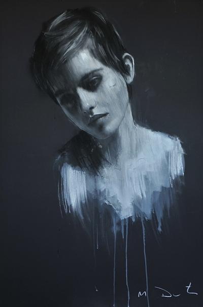 Emma pose pour un peintre Emma-Watson-portraits-by-Mark-Demsteader-harry-potter-22357137-400-606
