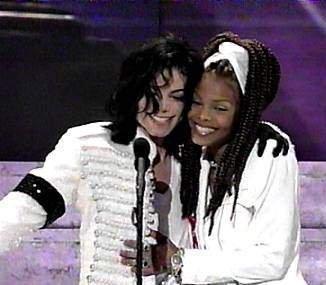 Michael e Janet!!! - Pagina 4 MJ-Ms-JJ-3-michael-jackson-22836556-326-285