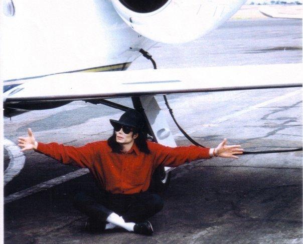 Raridades: Somente fotos RARAS de Michael Jackson. -MJ-michael-jackson-23382478-604-487
