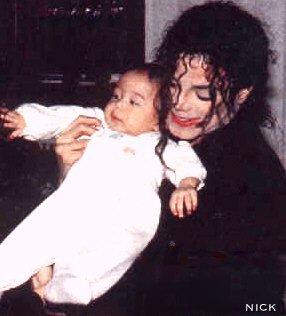 Raridades: Somente fotos RARAS de Michael Jackson. -michael-jackson-23782274-286-316