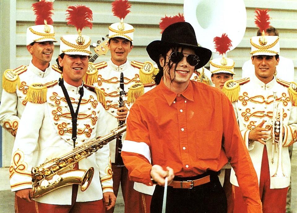 Raridades: Somente fotos RARAS de Michael Jackson. -michael-jackson-23782662-960-689