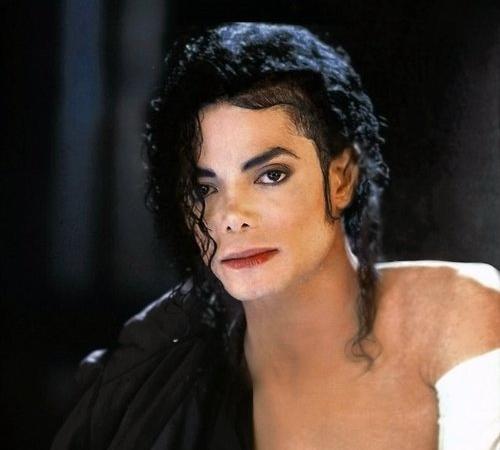 """Immagini vietate ai """"deboli di cuore"""" -MJ-michael-jackson-24241074-500-450"""