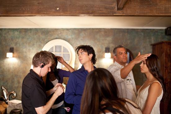 Nuotraukos iš 3 TVD sezono. Behind-the-scenes-ian-somerhalder-and-nina-dobrev-24450212-550-367