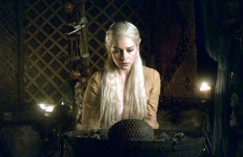 L' étoile de rodger du 4 octobre trouvée par md56 - Page 4 Daenerys-Targaryen-daenerys-targaryen-24490645-500-323