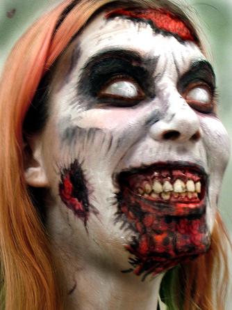 SirAJCxz Habla sobre: El Miedo: La diferencia entre terror y horror. HORROR-WOMAN-horror-movies-24488437-334-445