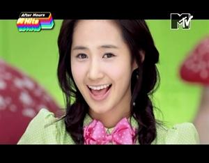 Bạn thích phong cách của Yuri trong hit nào của S9 nhất? ^^ 586746_1290833427882_full