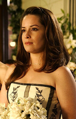 Piper Halliwell 255px-PiperHalliwell_9