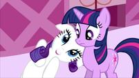 Rarity a unicornio 201px-Rarity-and-Twilight-rarity-the-unicorn-22125060-640-360
