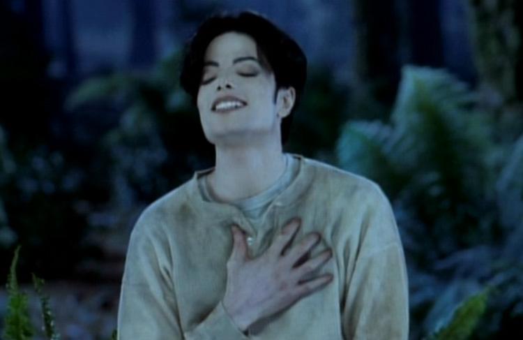 """Immagini vietate ai """"deboli di cuore"""" - Pagina 40 Michael-3-michael-jackson-24595878-750-487"""