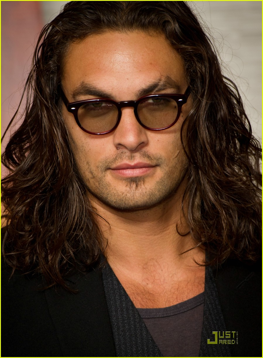 La Casting de la confrérie  Jason-Momoa-Conan-the-Barbarian-London-Premiere-jason-momoa-24711102-899-1222