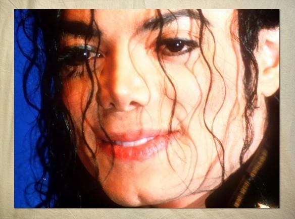 """Immagini vietate ai """"deboli di cuore"""" - Pagina 3 Michael-michael-jackson-25576038-584-434"""