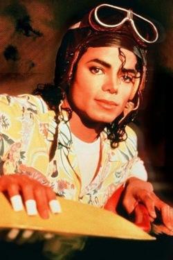 "Immagini era ""BAD"" - Pagina 12 MJ-michael-jackson-25756325-250-375"