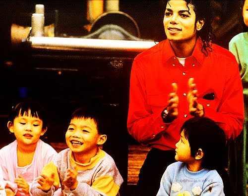 "Immagini era ""BAD"" - Pagina 12 Michael-Jackson-michael-jackson-25756528-500-396"