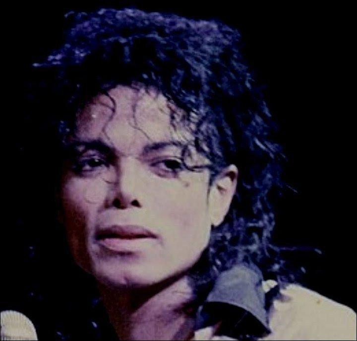 """Immagini era """"BAD"""" - Pagina 13 We-love-you-MJ-michael-jackson-26201141-720-687"""