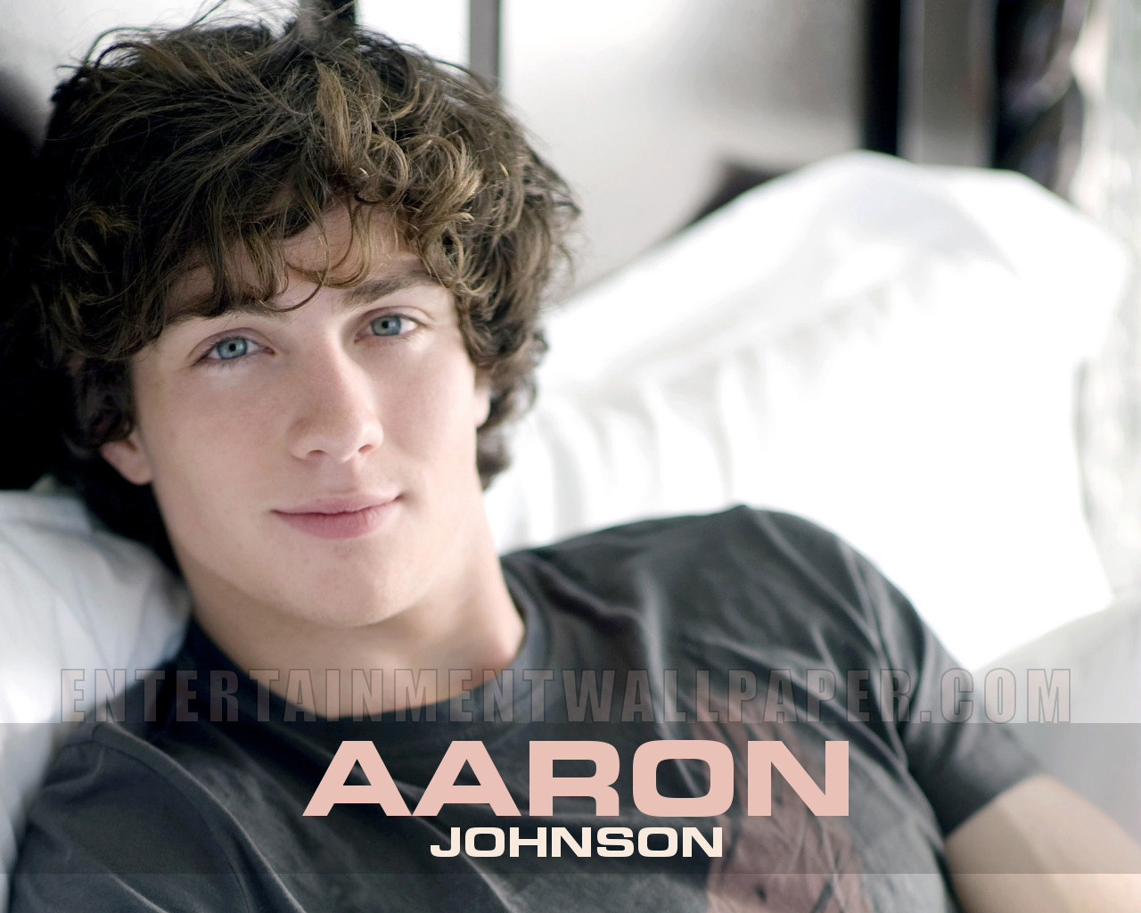 AARON JOHNSON Aaron-Johnson-aaron-johnson-26581162-1280-1024