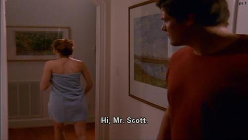 Slike Hilarie-Peyton - Page 6 P-Sawyer-peyton-scott-26768040-500-282