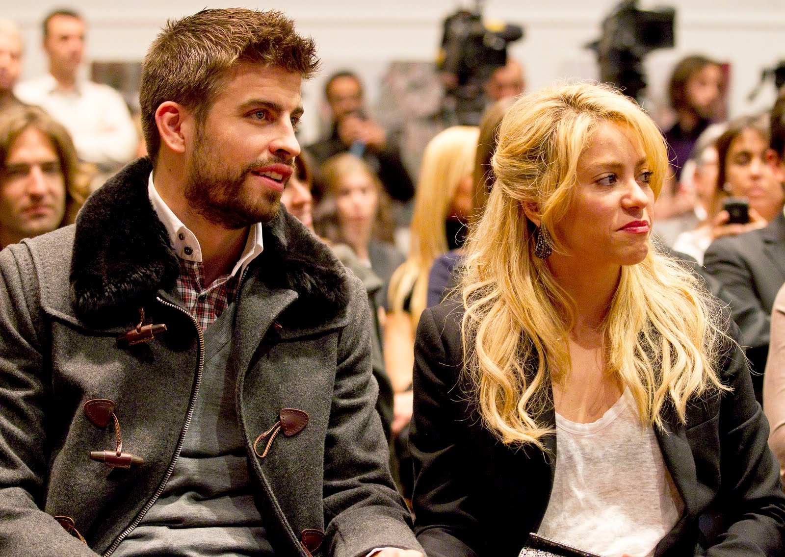 Shakira and Pique. - Page 3 Shakira-piqu-mother-gerard-pique-27488486-1600-1136