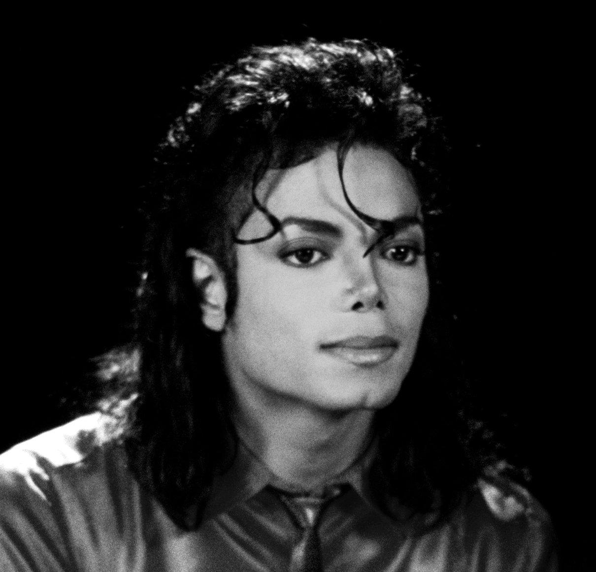 Raridades: Somente fotos RARAS de Michael Jackson. - Página 4 I-LOVE-YOU-MICHAEL-michael-jackson-27579629-1210-1162