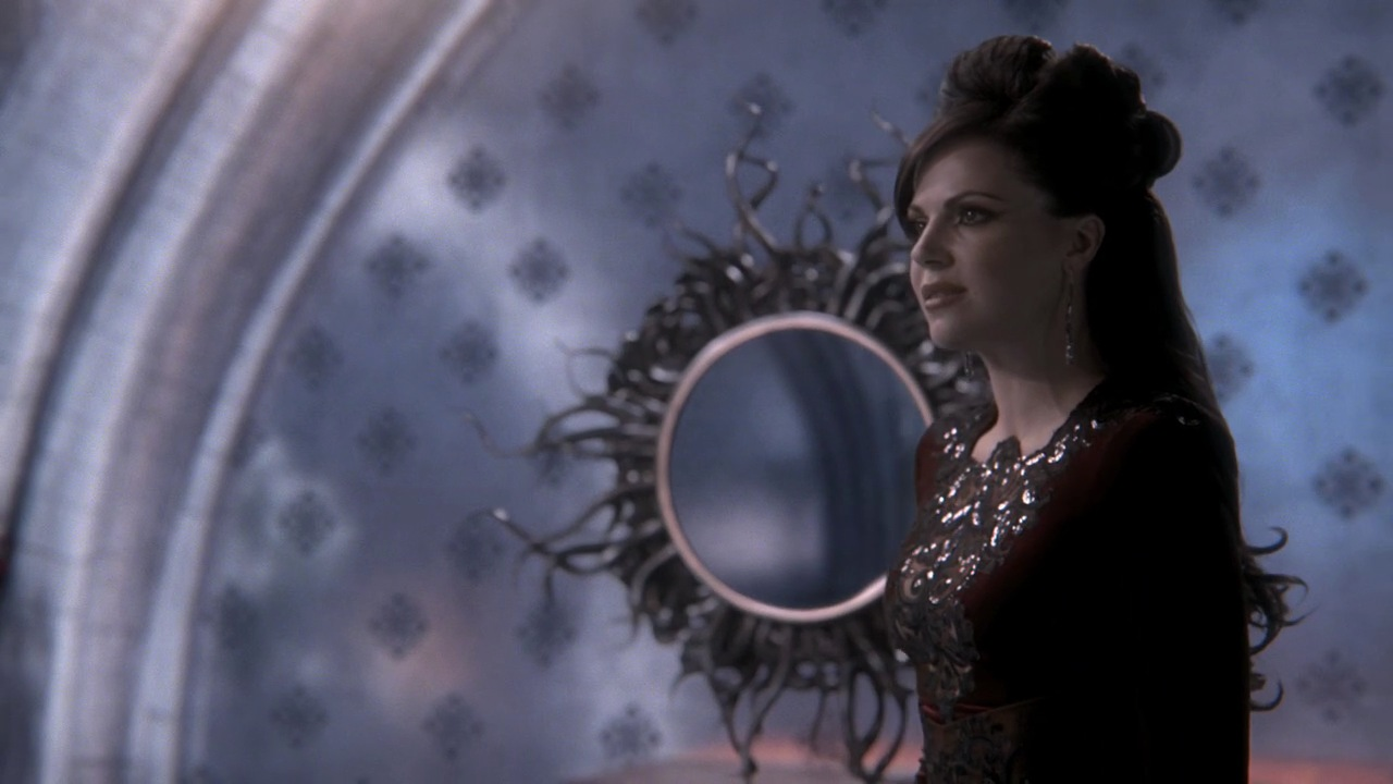 still & BTS - Page 2 Evil-Queen-Regina-Mills-1x07-The-Heart-is-a-Lonely-Hunter-the-evil-queen-regina-mills-27623932-1280-720