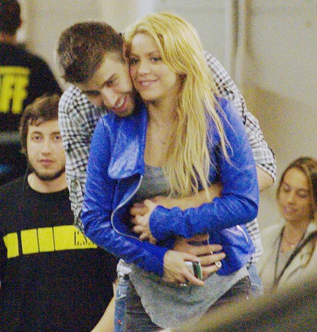 Shakira and Pique. - Page 2 Shakira-piqu-nnn-gerard-pique-28267697-650-680