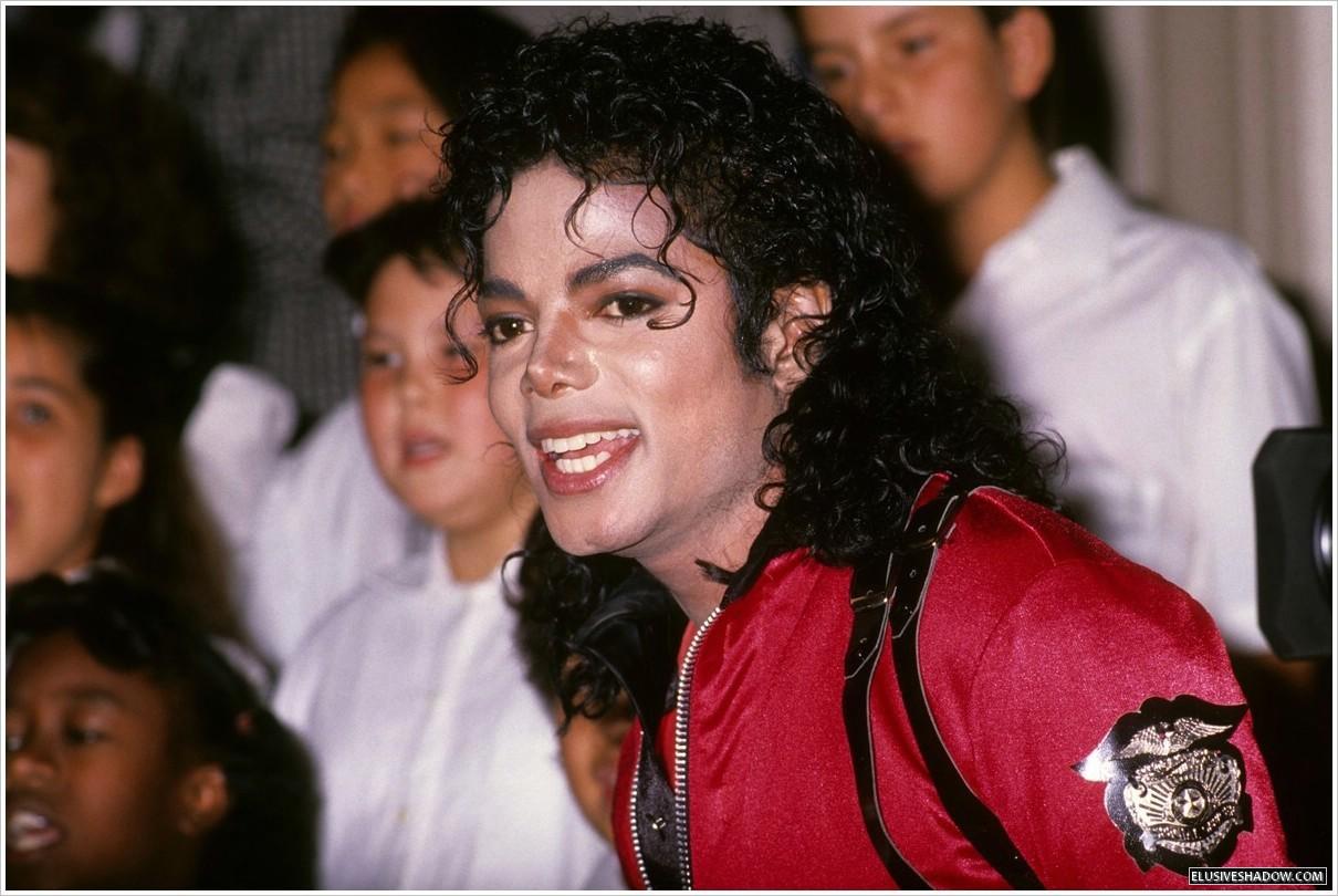 """Immagini vietate ai """"deboli di cuore"""" - Pagina 7 GOD-IM-CRAZY-IN-LOVE-WITH-YOU-MJ-michael-jackson-28681272-1210-810"""