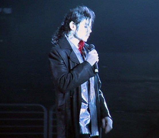 "Immagini era ""THIS IS IT"" - Pagina 23 I-m-crazy-for-you-MJ-michael-jackson-29533541-554-480"