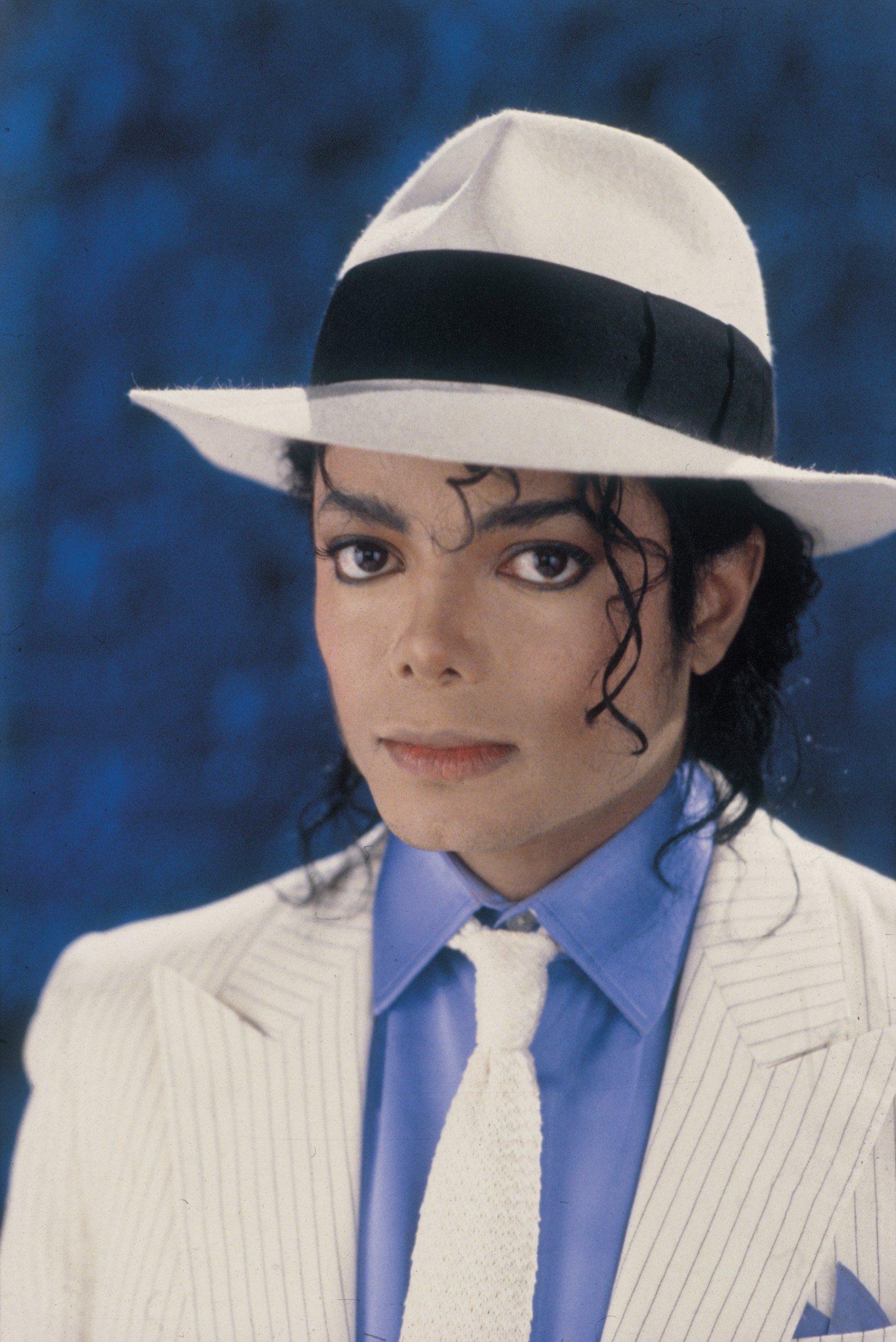 "Immagini era ""BAD"" - Pagina 22 Michael-Jackson-HQ-High-Quality-michael-jackson-30011389-1670-2500"