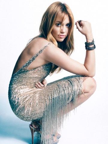 Fête de l'indépendance [event ¤ libre à tous] Miley-Marie-Claire-Photoshoots-2011-miley-cyrus-30128667-360-480