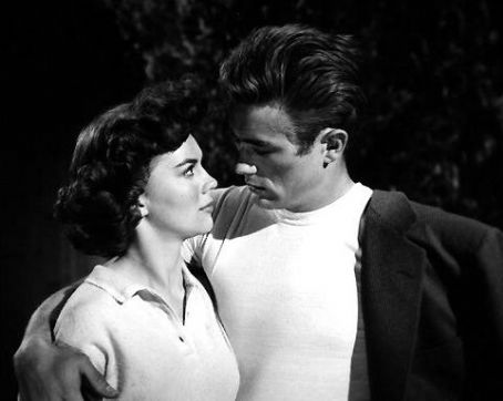 James Dean Natalie-and-James-rebel-without-a-cause-30488603-454-362