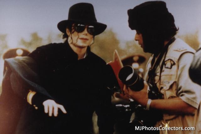 Raridades: Somente fotos RARAS de Michael Jackson. - Página 6 I-WANT-TO-TASTE-YOUR-LIPS-BABY-michael-jackson-30636638-640-427