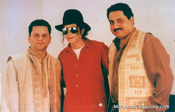 Raridades: Somente fotos RARAS de Michael Jackson. - Página 6 YOU-ARE-PERFECTION-MY-DARLING-MICHAEL-michael-jackson-30636514-600-385