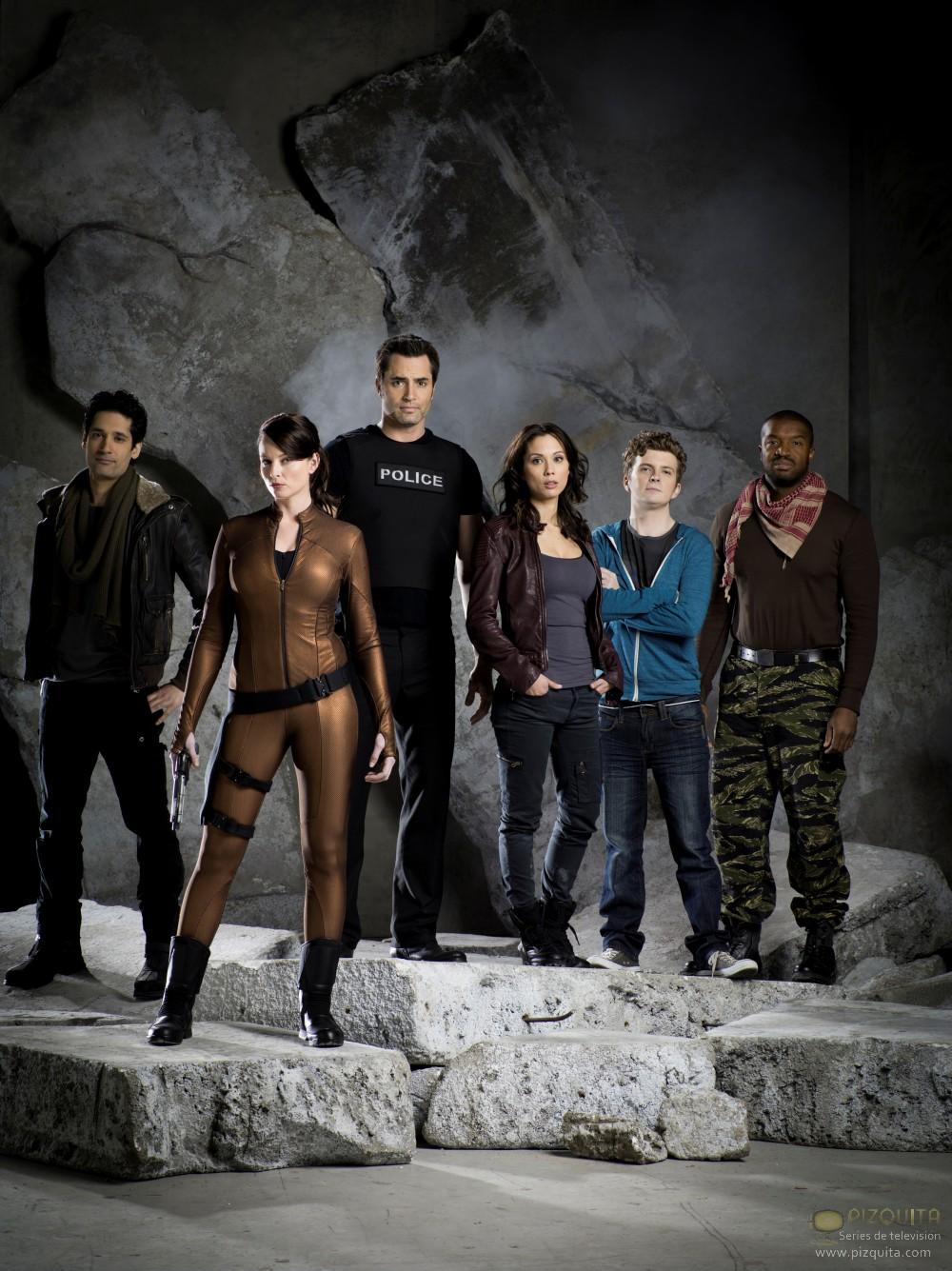 Continuum (2012- ) 穿越时间线 Continuum-cast-continuum-2012-tv-series-30974510-1000-1335
