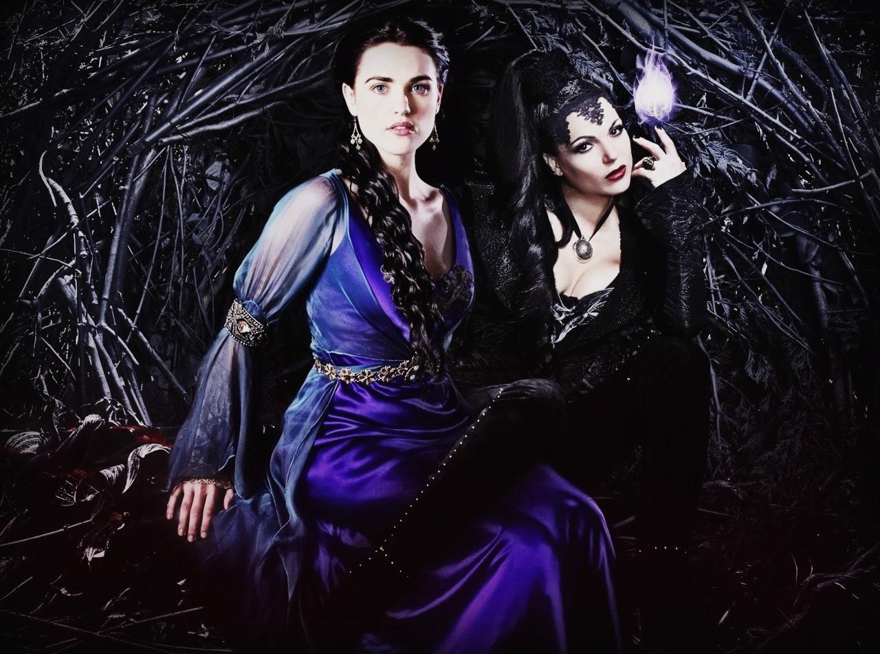 Fotos curiosas - Página 2 Regina-Evil-Queen-and-Morgana-villains-32321286-1280-951