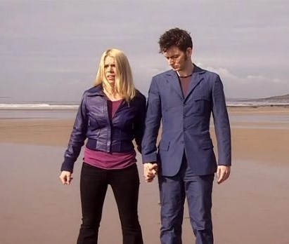 Josh & Ally - Page 3 Rose-Tyler-and-The-Doctor-rose-and-the-doctor-32636181-411-348