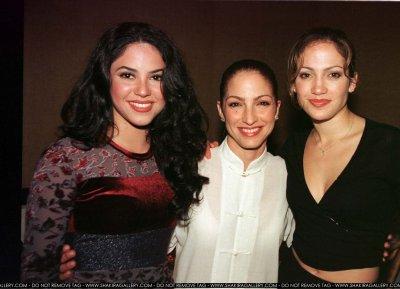 Gossip » Otras celebridades hablan sobre Shakira - Página 2 Gloria-Estefan-Shakira-Jennifer-Lopez-1997-jennifer-lopez-33747163-400-289