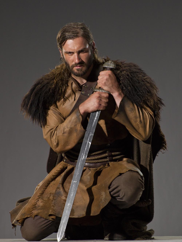 Rollo .................... Vikings-Promo-Rollo-vikings-tv-series-33876618-1000-1332