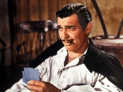 Le jeu des plus beaux films à coucher dehors - Page 4 Rhett-Butler-romantic-male-characters-34261468-500-375