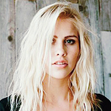 Solicitud de Empleo - Página 79 Claire-Holt-Phoebe-Tonkin-Photo-Session-2013-phoebe-tonkin-and-claire-holt-35642267-160-160