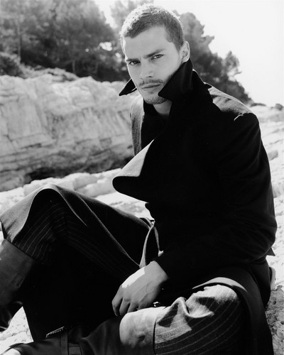 Jamie Dornan Jamie-Dornan-aka-Christian-Grey-fifty-shades-of-grey-35918573-400-500