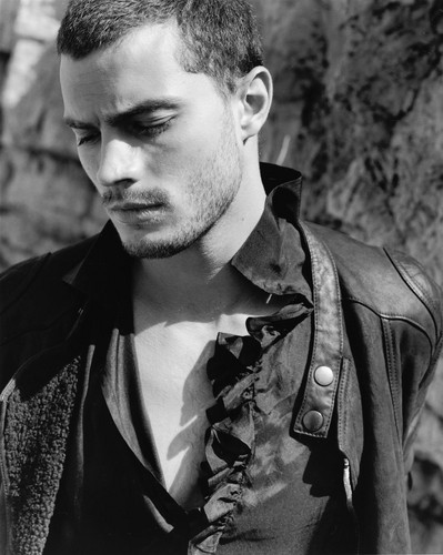 Jamie Dornan Jamie-Dornan-aka-Christian-Grey-fifty-shades-of-grey-35918574-399-500