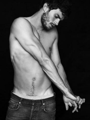 Jamie Dornan Jamie-Dornan-aka-Christian-Grey-fifty-shades-of-grey-35918575-375-500
