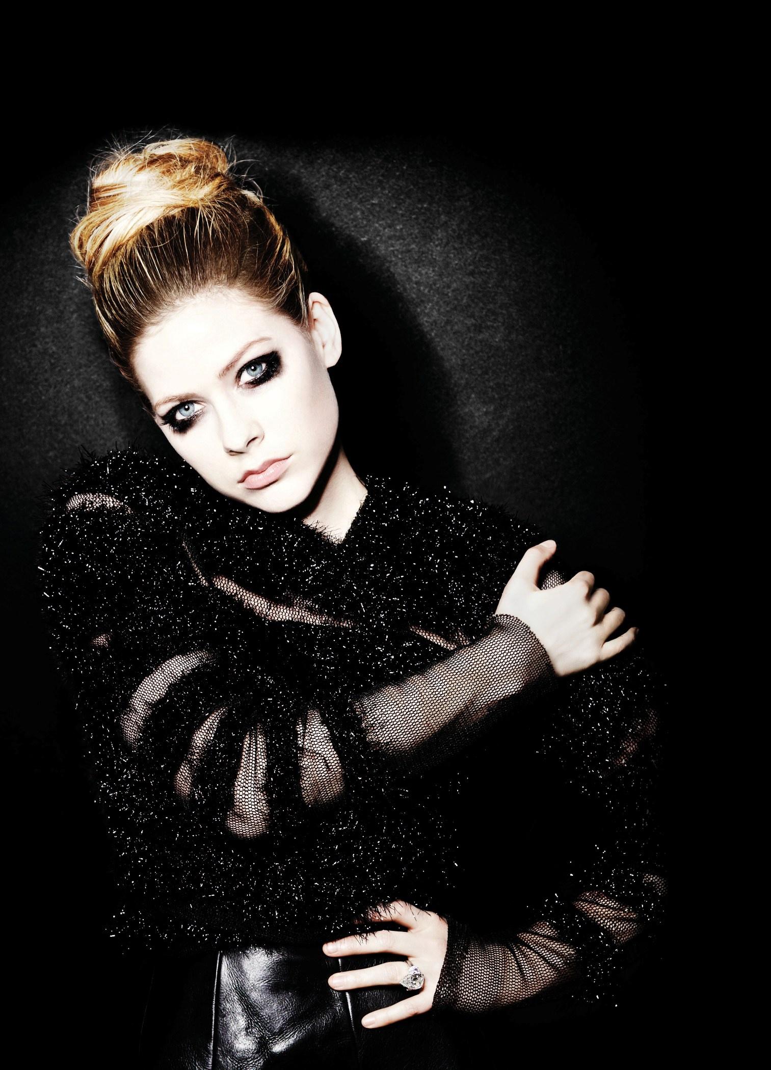 Avril Lavigne Avril-Lavigne-image-avril-lavigne-36212987-1513-2100