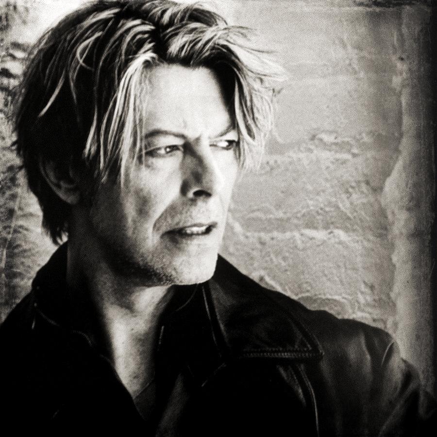 R.I.P. David Bowie  David-Bowie-00s-david-bowie-37030347-900-900