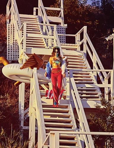 Selena Gomez ⇨ Noticias Generales - Página 36 W-Magazine-selena-gomez-39276607-385-500