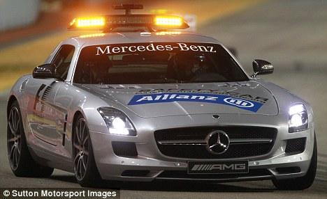 Mercedes 300 SLS Formula One Safety Car 1950B62F931000005DC806_468x286-vi